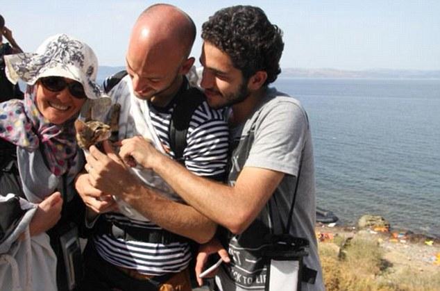 syrian with kitten 2